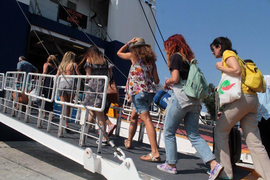 Τήρηση των μέτρων στα λιμάνια ζήτησε ο Πλακιωτάκης