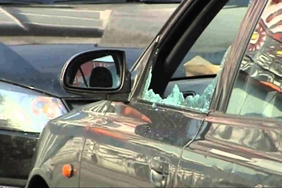 Έσπαγαν και έκλεβαν αυτοκίνητα στη Μυτιλήνη