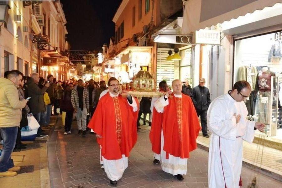 Η Μυτιλήνη τιμά τον Αγιο Βαλεντίνο