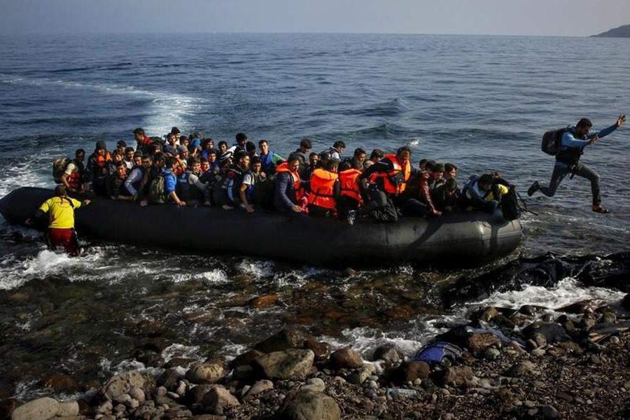 Ο «κοριός» της ΕΥΠ, το τετράδιο του σκάφους και το αλισβερίσι ανθρώπων με την Τουρκία