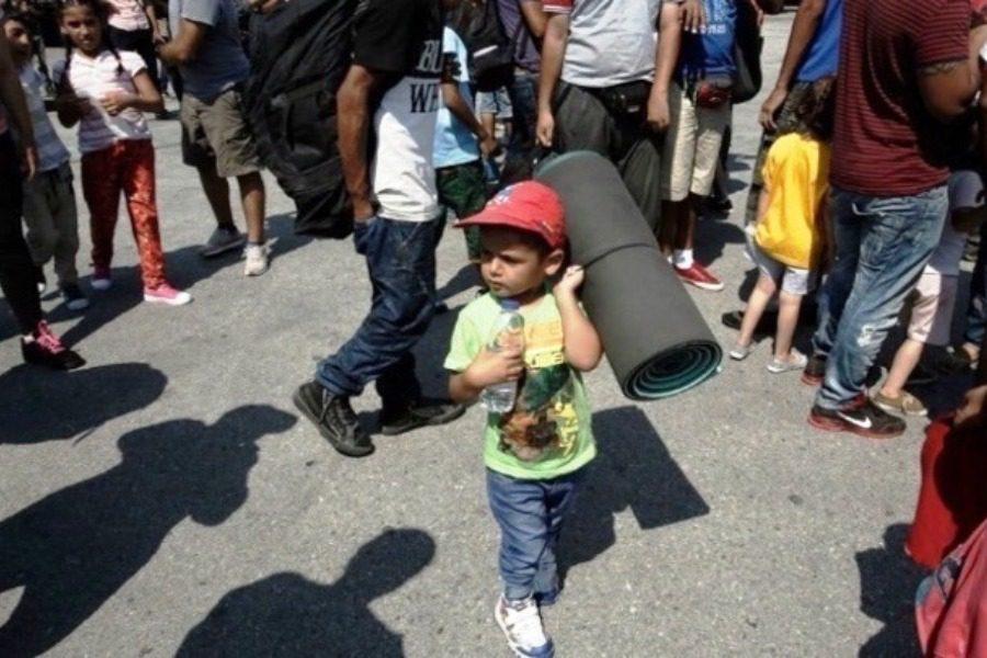 Αμεση μεταφορά 400 ασυνόδευτων παιδιών από τη Μόρια