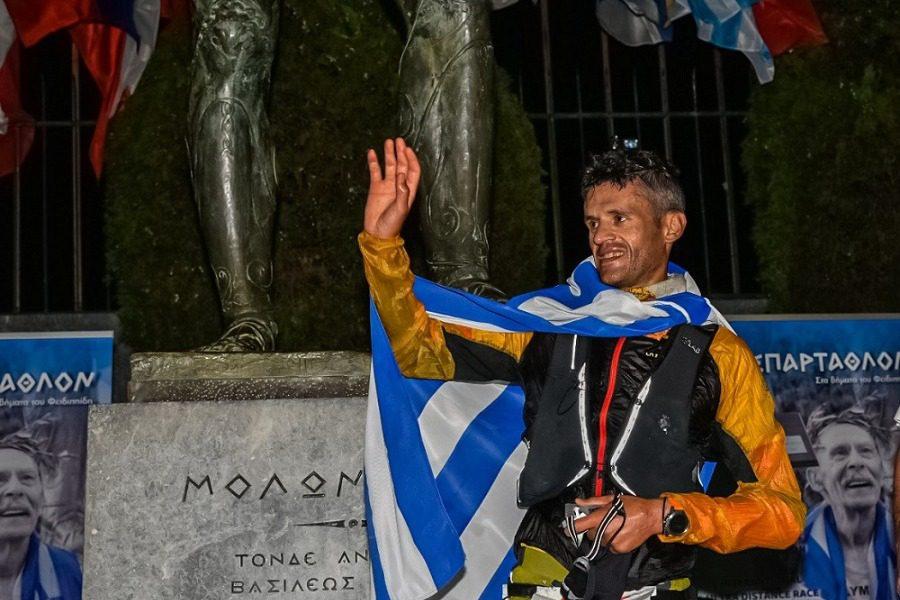 Ο Φώτης Ζησιμόπουλος έγινε ο 3ος Έλληνας που κατακτά τη νίκη στο «Σπάρταθλον»
