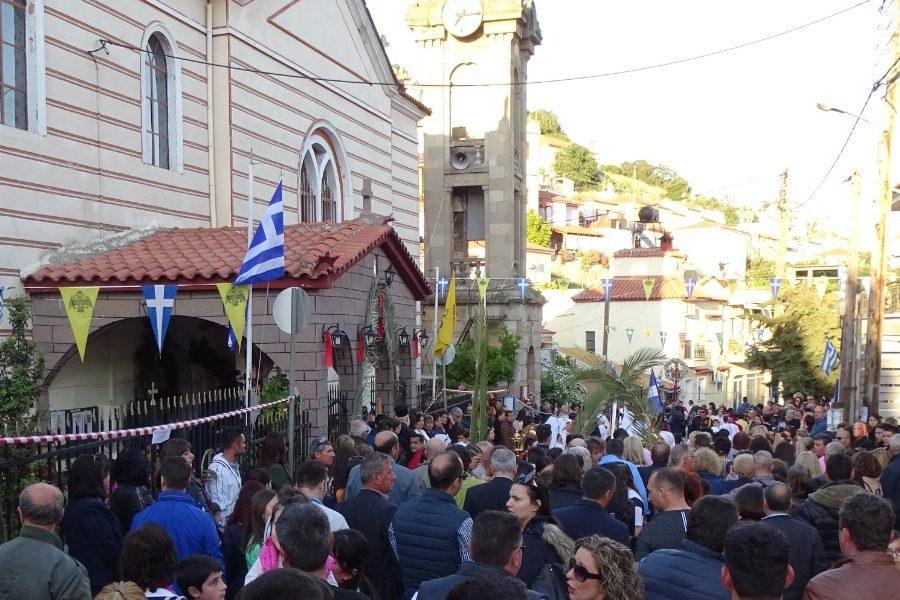 Πλήθος πιστών στον εορτασμό της Ζωοδόχου Πηγής